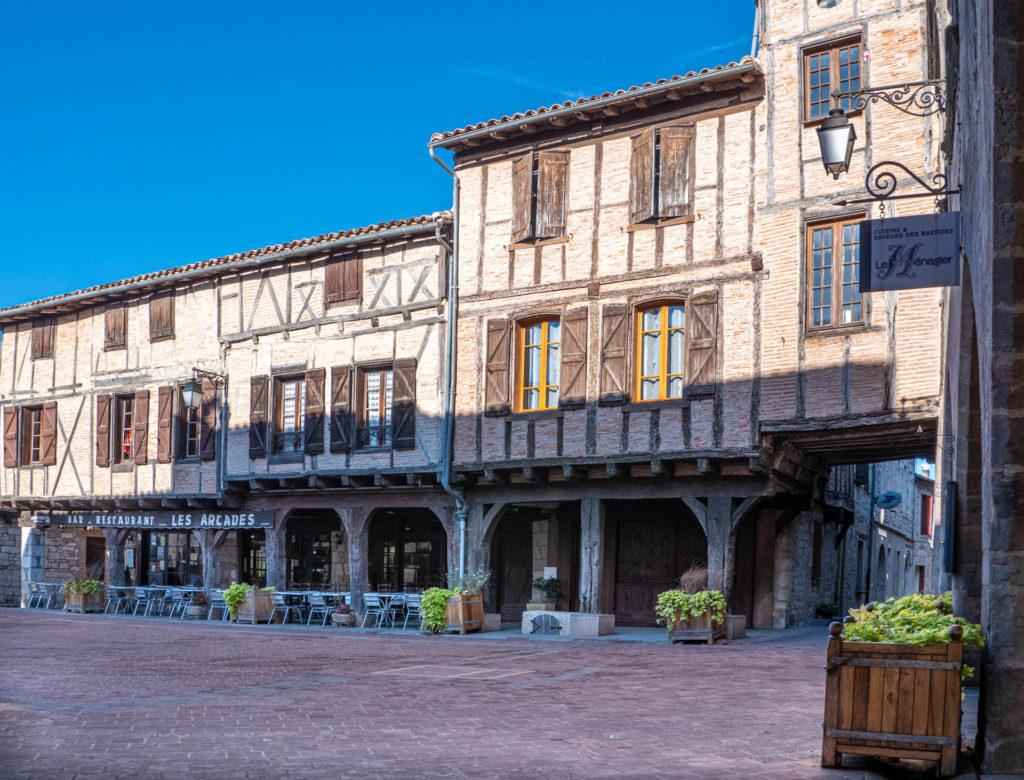 Castelnau Place des Arcades
