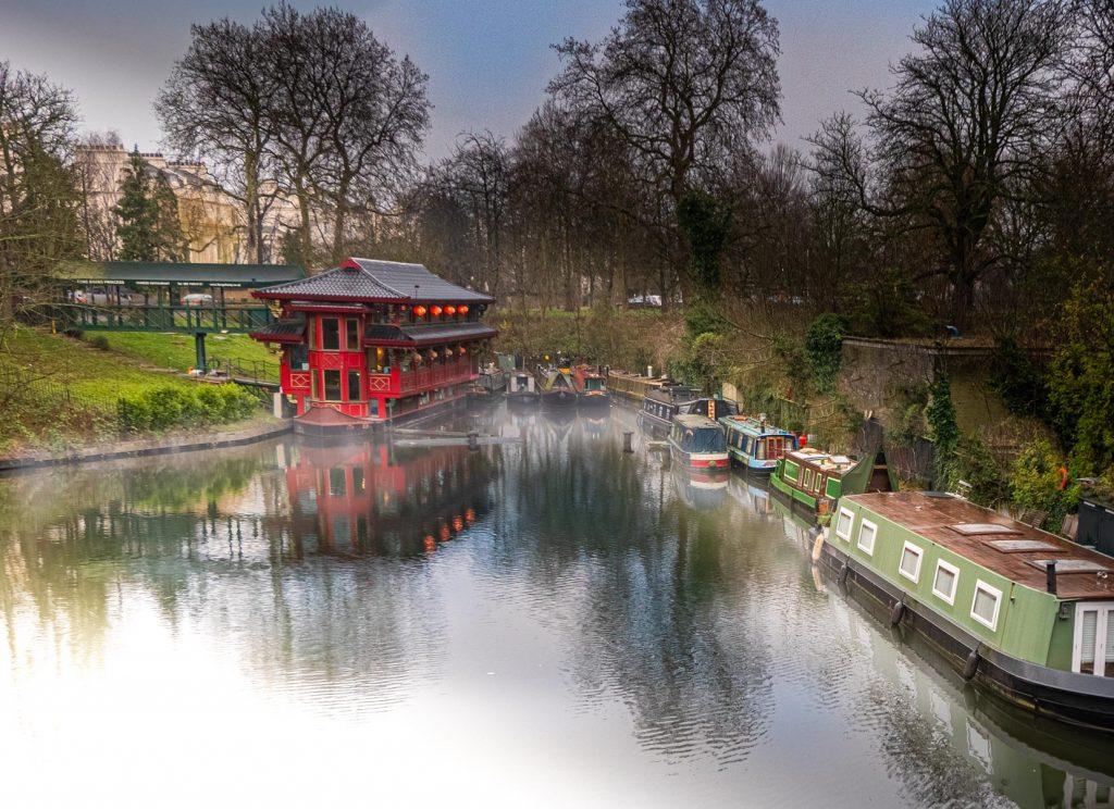 Restaurant asiatique flottant à Regent's Park