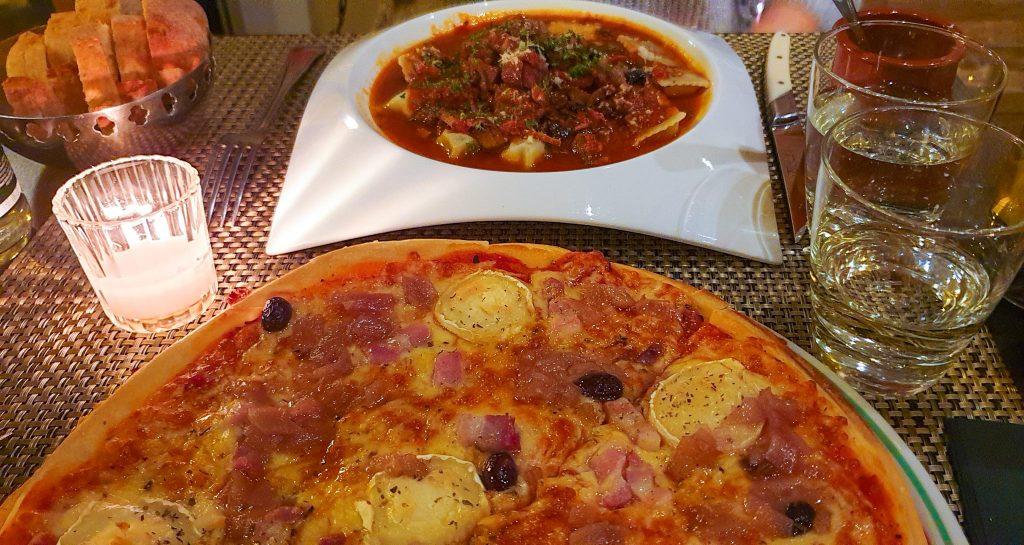 Le Marina - Pizza au chèvre et coquelet à la provençale